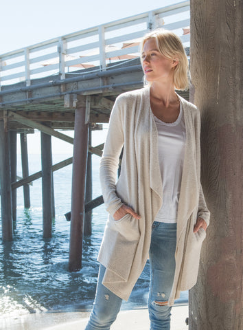 Barefoot Dreams the COZYCHIC LITE® ISLAND WRAP in Bisque
