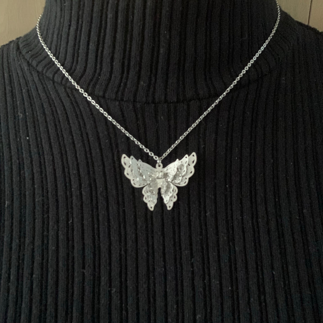 Tripple butterfly necklace