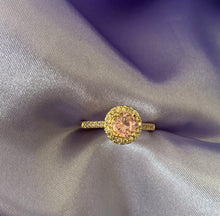 Load image into Gallery viewer, Gold circle stone ring
