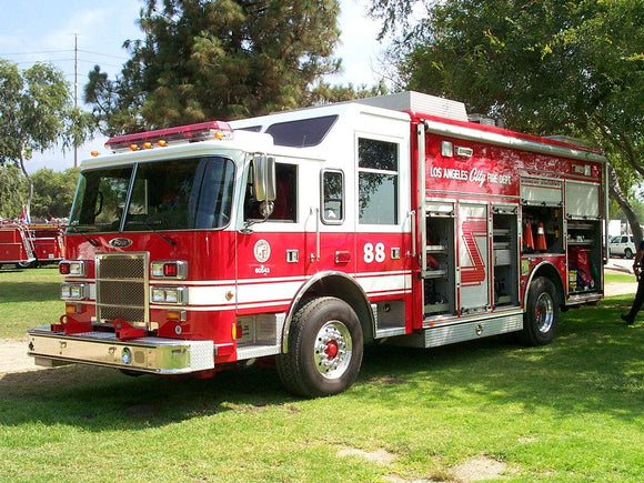 1999 Pierce USAR - #88 (Shop #60543) - Los Angeles City Fire