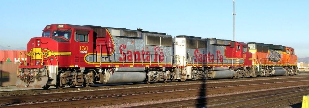 BNSF Locomotives - Hobart Yard, Los Angeles, CA