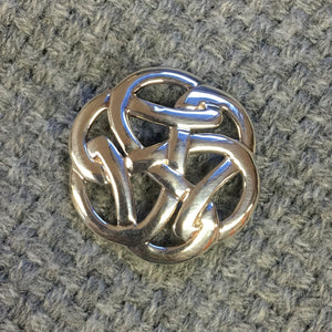 Ortak - Thick celtic knot brooch