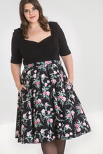 Load image into Gallery viewer, Lily Roses 50s circle Skirt SALE WAS £34 NOW £19