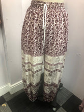 Load image into Gallery viewer, Hareem Trousers wine red Elephant Print