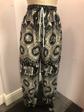 Load image into Gallery viewer, Hareem Trousers Black and White Elephant Print