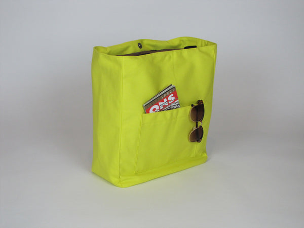Yellow tote bag with pockets