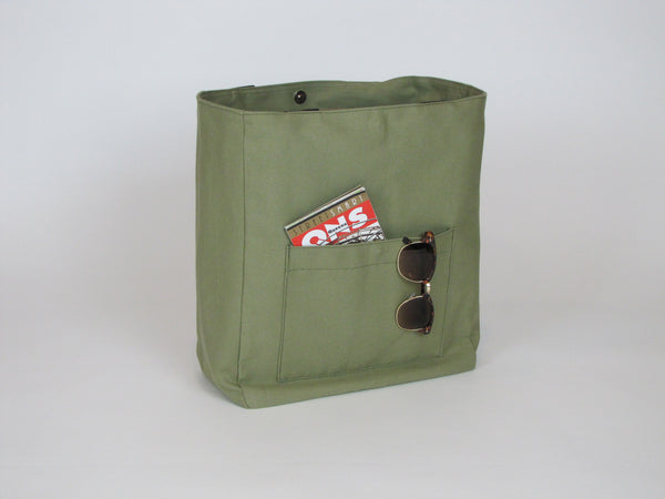 Olive canvas tote bag with pockets