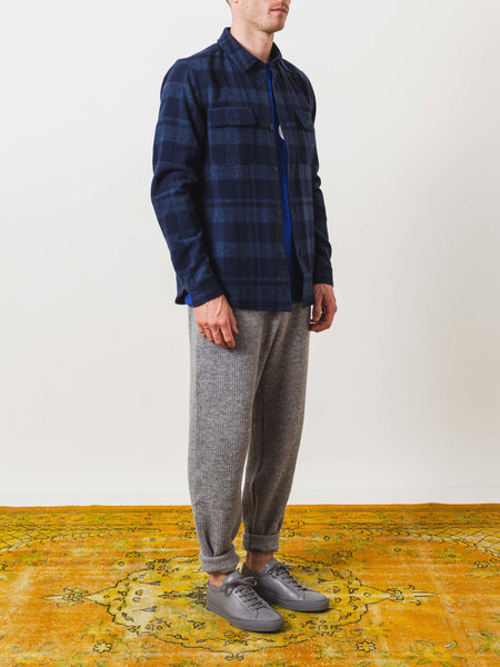 a.p.c.-marine-50s-overshirt-on-body