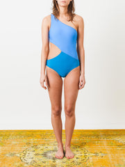araks-sky-mystic-elmar-one-piece-swim-on-body