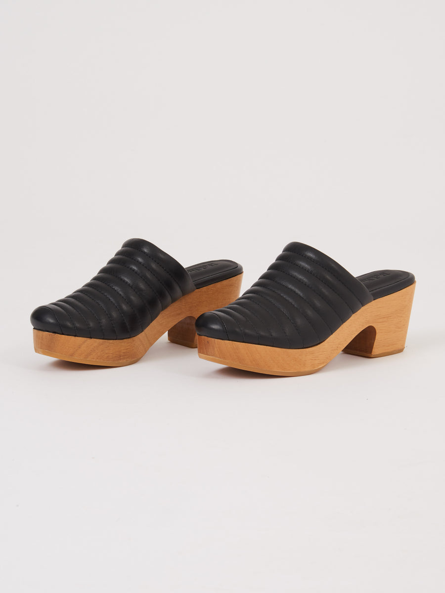 Beklina-Black-Ribbed-Clog