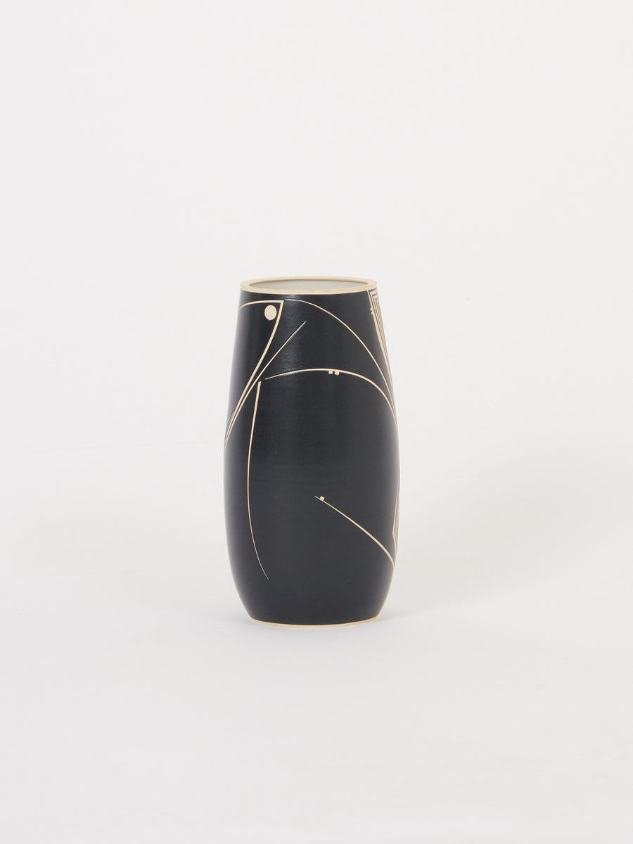 Jonathan-Van-Patten-Ceramics-Black-&-White-Vase