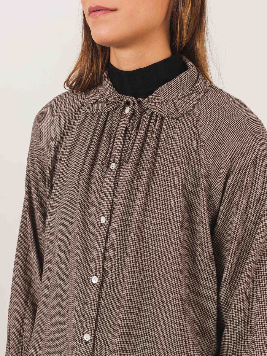 caramel-micro-houndstooth-ruffle-collar-shirt-on-body