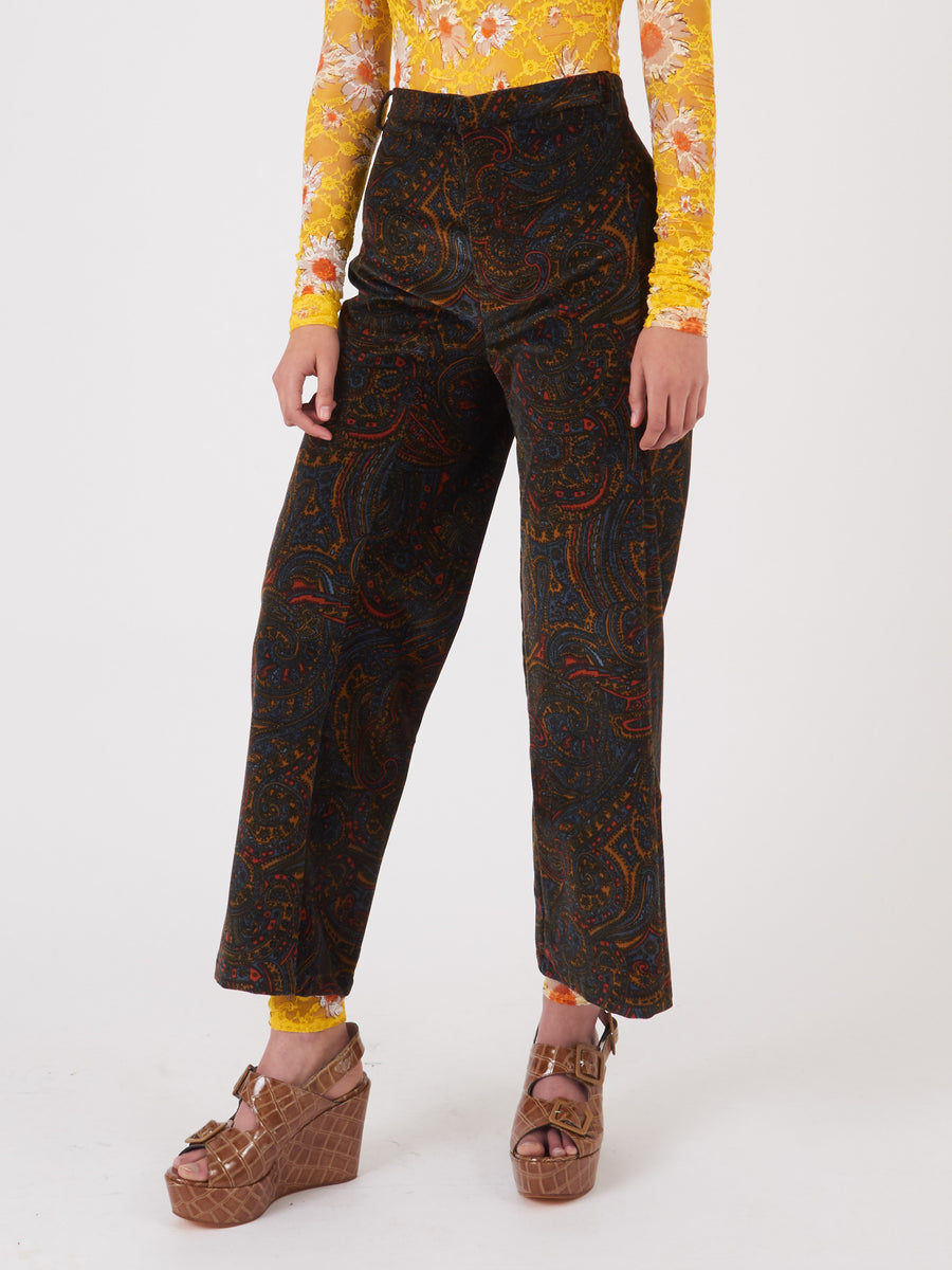 Collina-Strada-Paisley-Cord-Left-Eye-Trouser-on-body