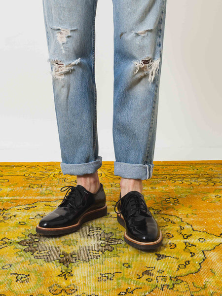 common-projects-derby-shine-black-on-body