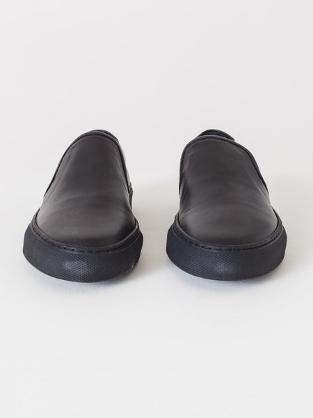 common-projects-leather-slip-on-black