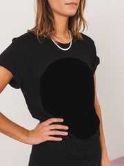 correll-correll-black-velvet-circle-t-shirt-on-body