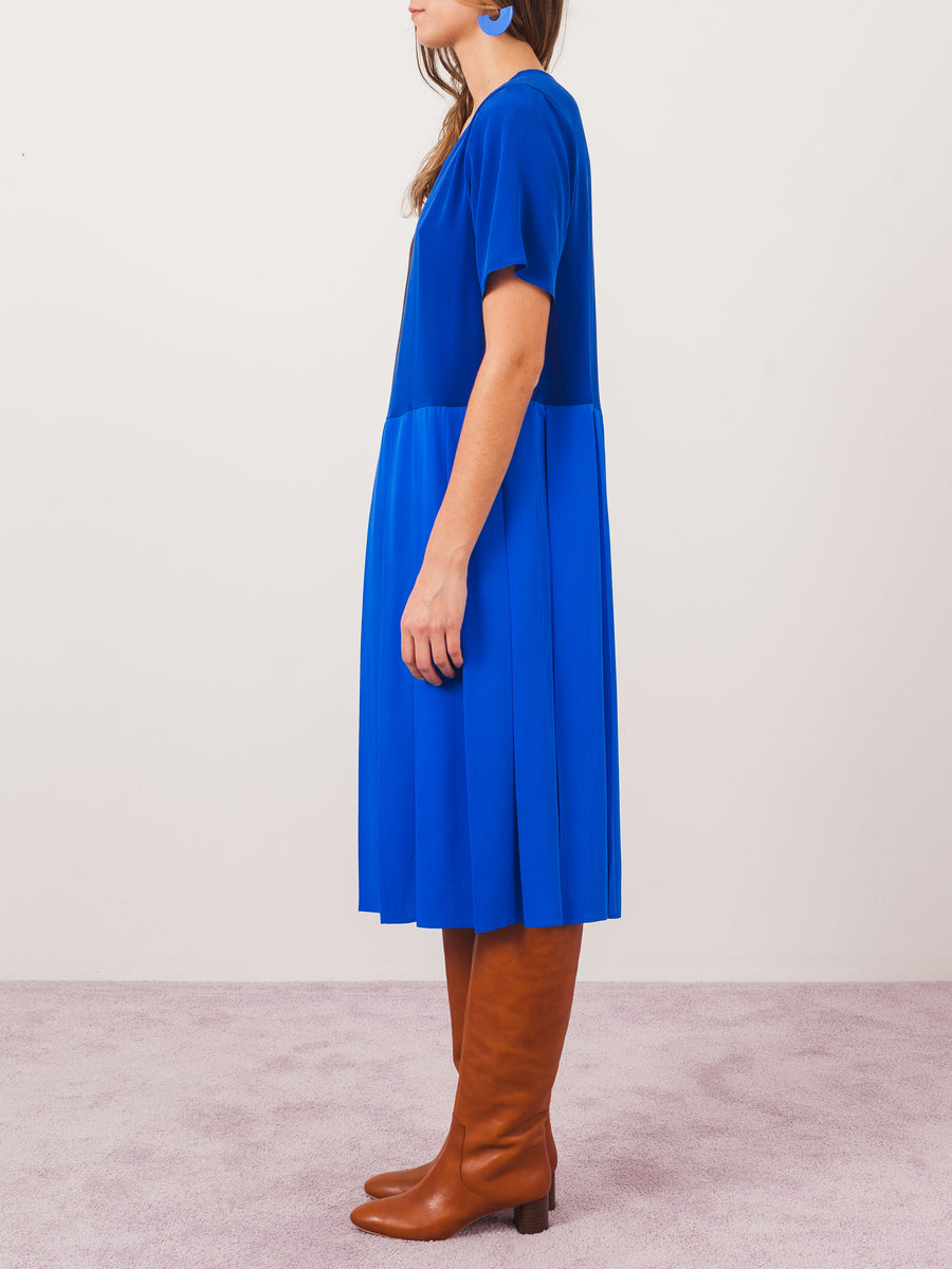 correll-correll-brown-&-blue-topa-dress-on-body