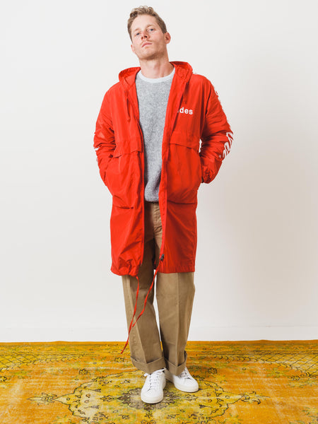 etudes-red-memory-tech-jacket-on-body