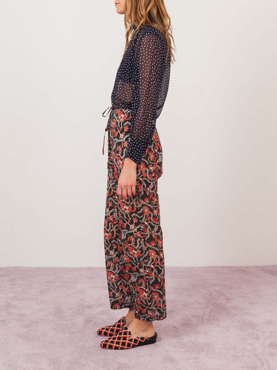 isabel-marant-etoile-black-enoa-pants-on-body