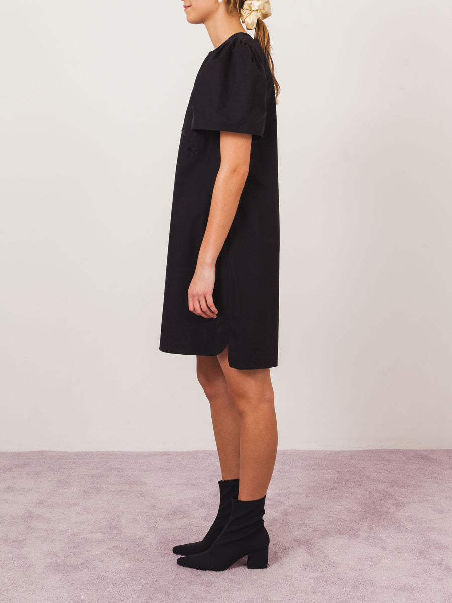 isabel-marant-etoile-black-wita-dress-on-body