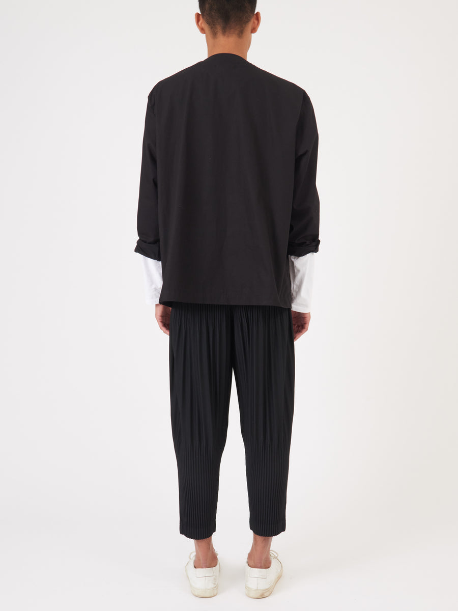 Issey-Miyake-HOMME-PLISSÉ-Black-Full-Classic-Pant-on-body