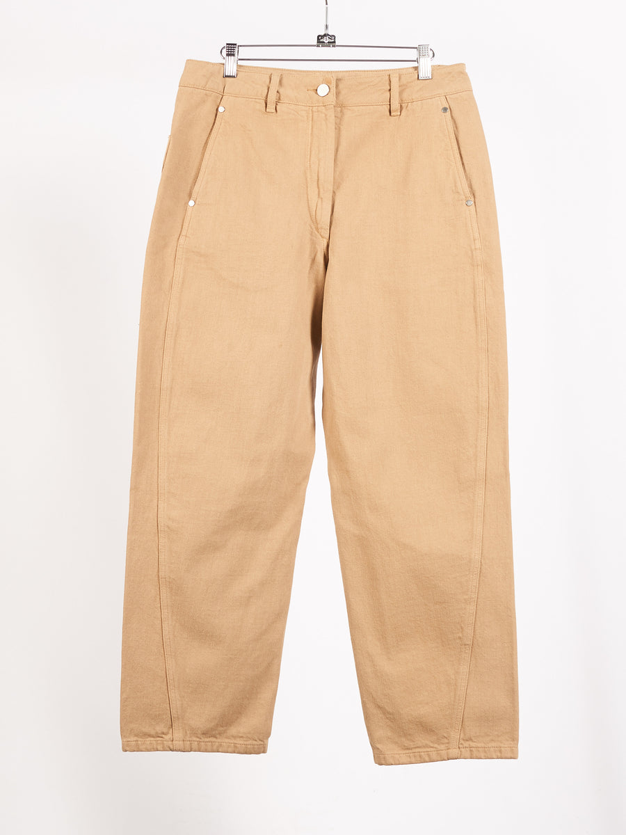 lemaire-beige-twisted-pants-on-body