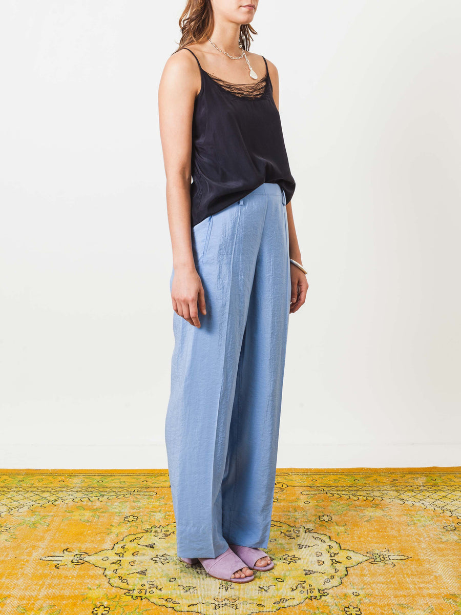 lemaire-bleuet-long-elasticated-pants-on-body