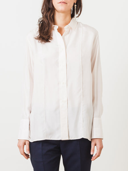 lemaire-powder-pointed-collar-shirt-on-body