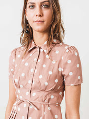 mnz-brown-polka-alba-button-down-on-body