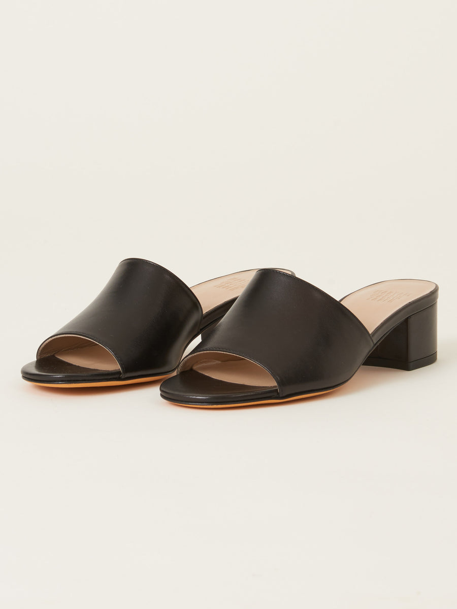 mnz-black-agatha-slides