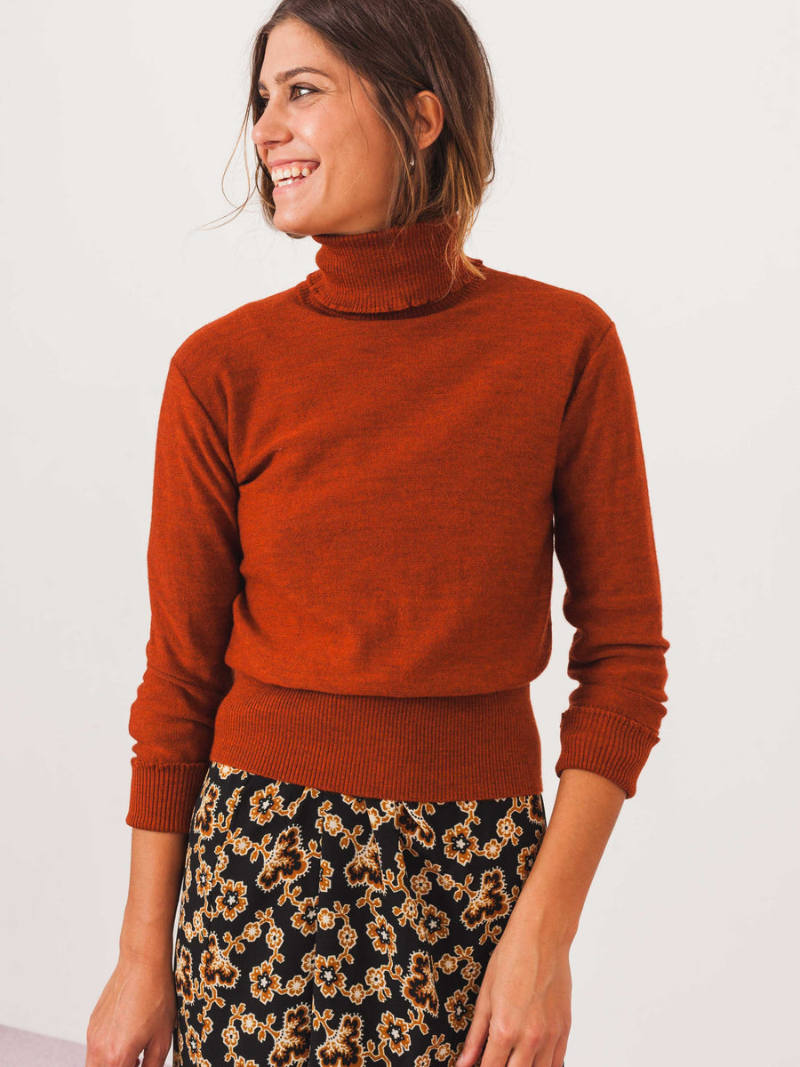no.6-rust-amanda-turtleneck-on-body
