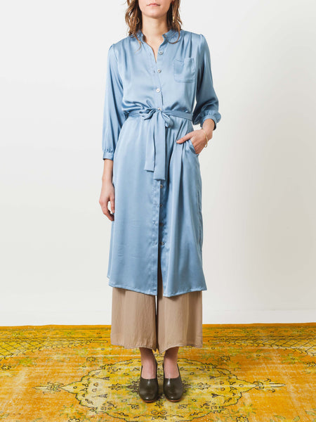 no.6-sky-elena-shirt-dress-on-body