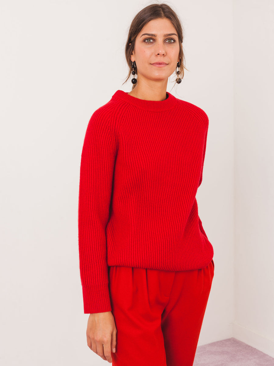 no.6-tomato-darwin-sweater-on-body