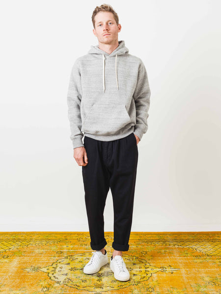 orslow-grey-hooded-pullover-on-body