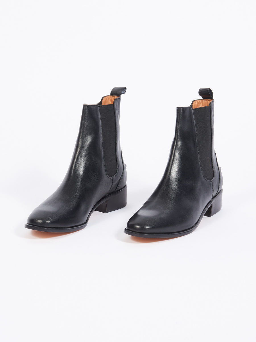 Black Thora Boot