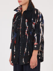 Raquel-Allegra-Black-Tie-Dye-Work-Shirt-on-body