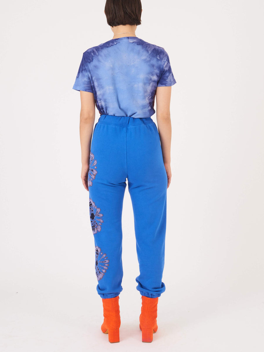 Raquel Allegra-Jupiter-Blue-Topanga-Sweatpants-on-body