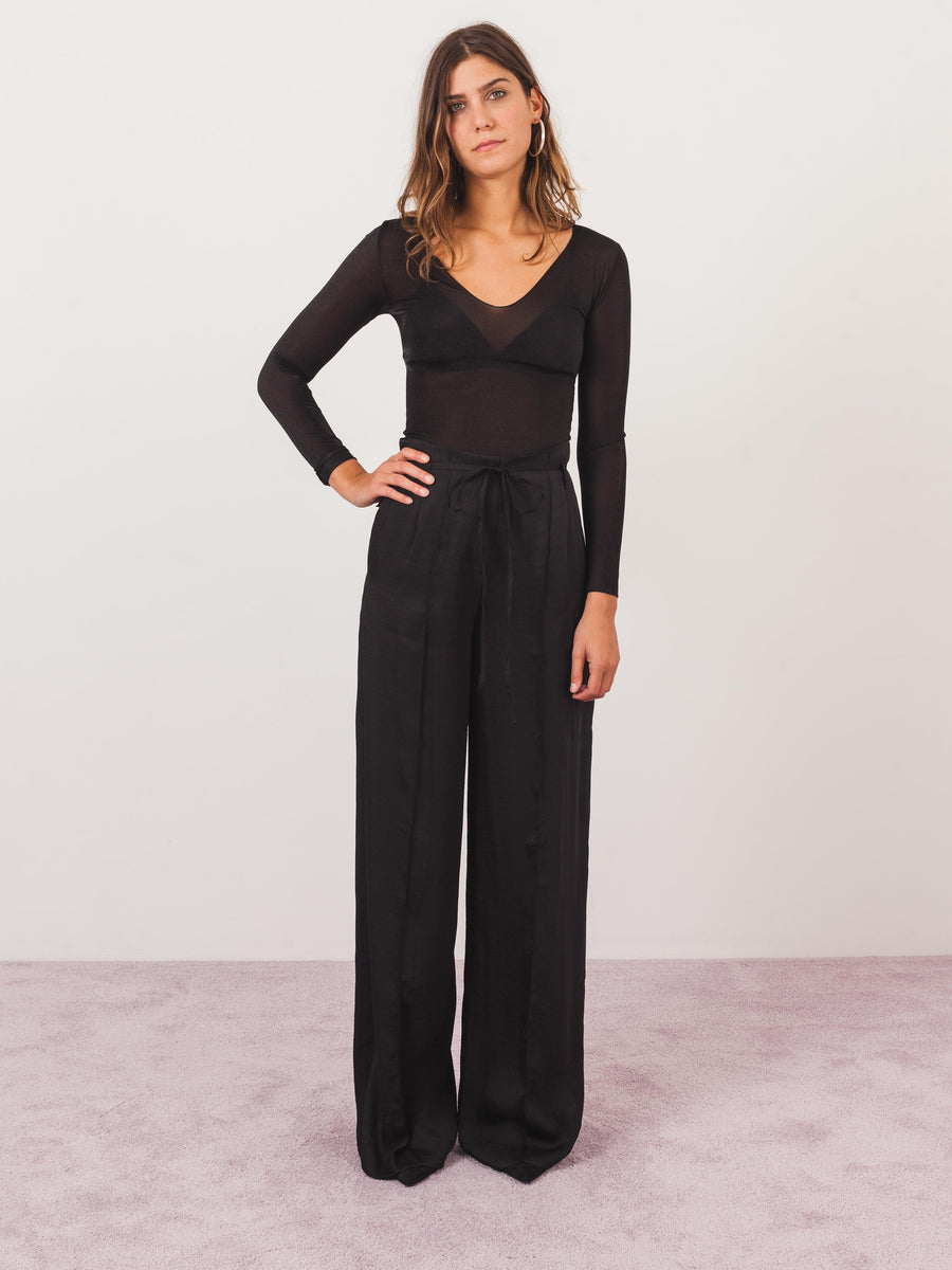 rejina-pyo-blck-satin-eve-trousers-on-body