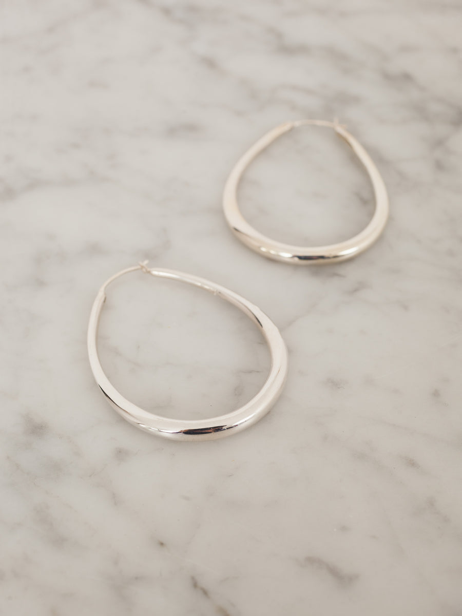 sophie-buhai-sterling-medium-egg-hoop-earrings
