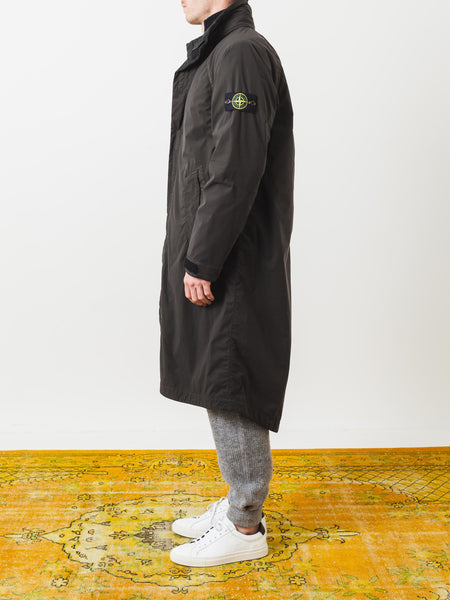 stone-island-black-detachable-liner-coat-on-body