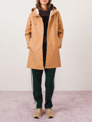 stutterheim-mosebacke-camel-raincoat-on-body