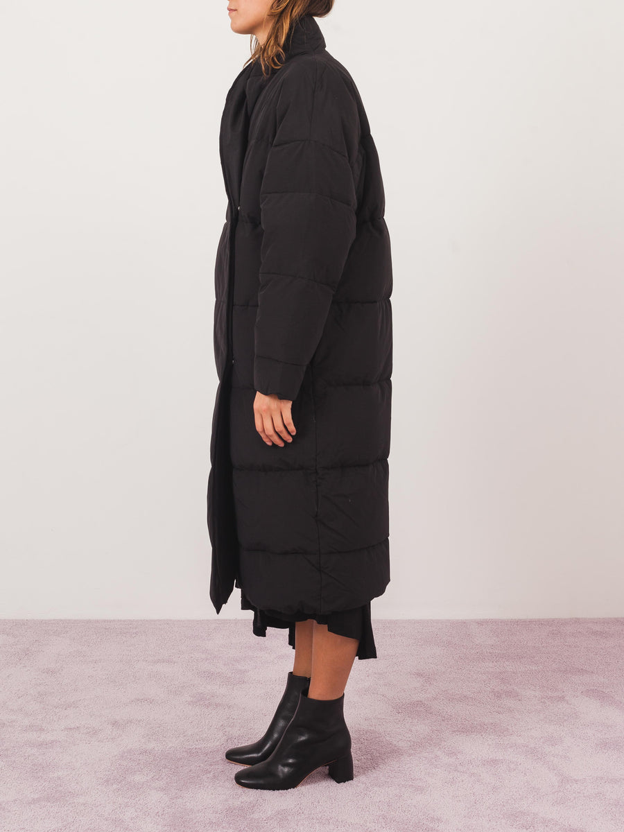 toteme-black-bondy-down-jacket-on-body