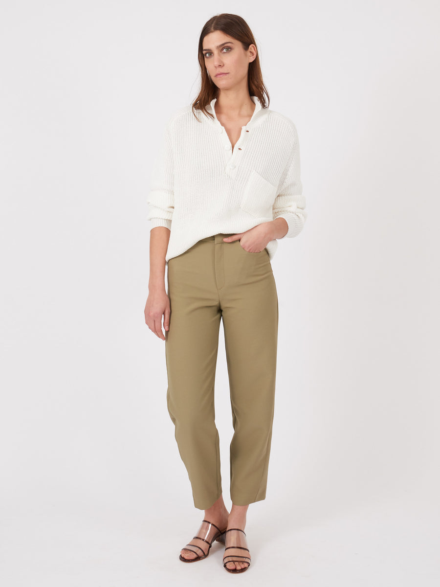 toteme-moss-novara-trousers-on-body