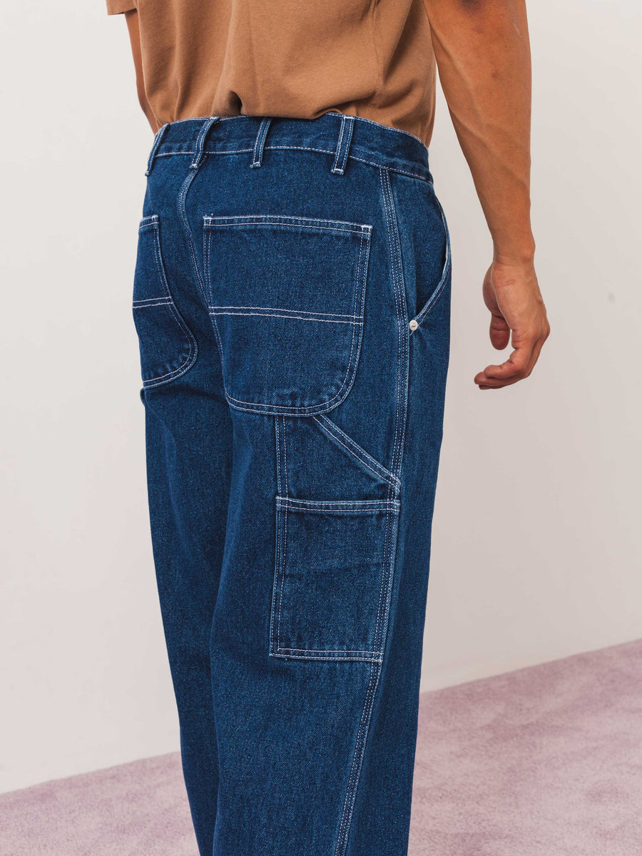 Très-Bien-Blue-Denim-Carpenter-Pant-on-body
