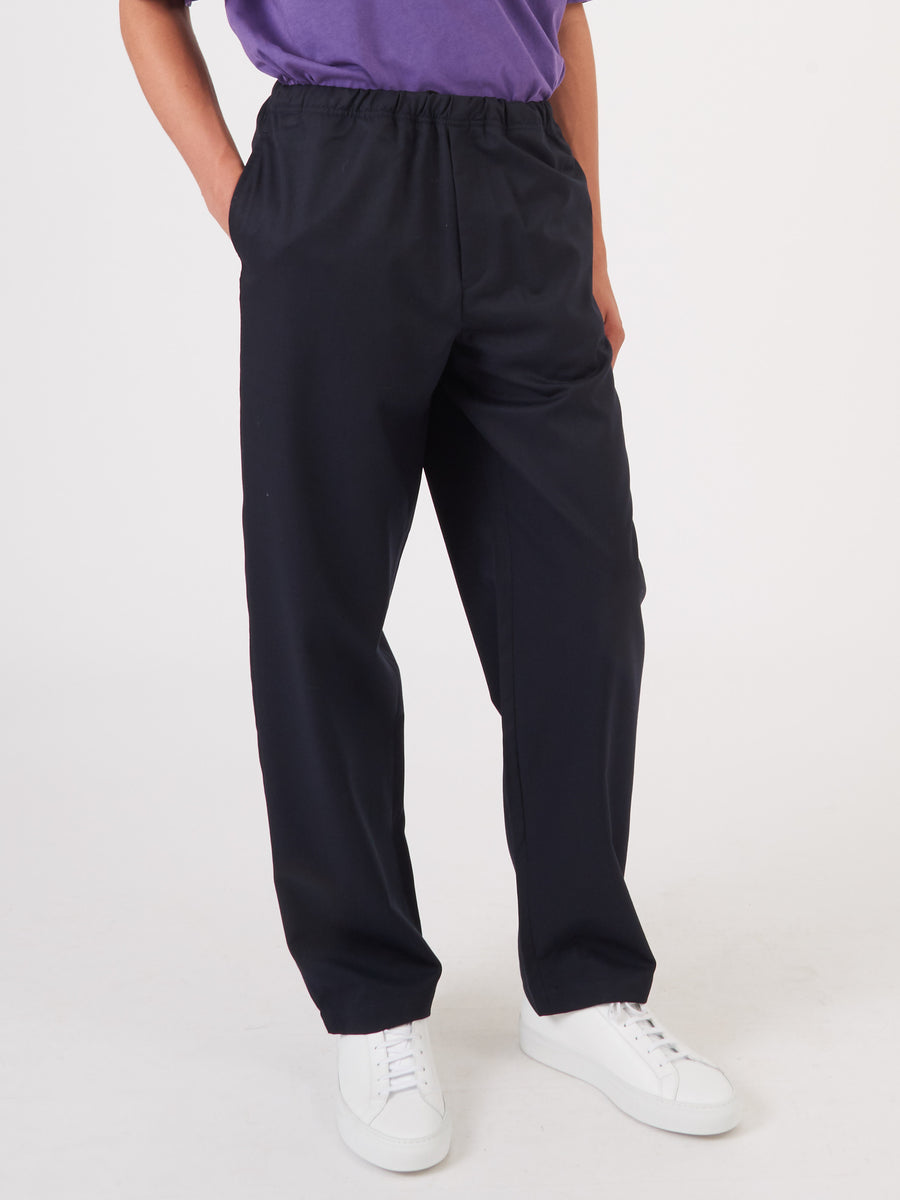 Très-Bien-Navy-Departure-Pant-on-body
