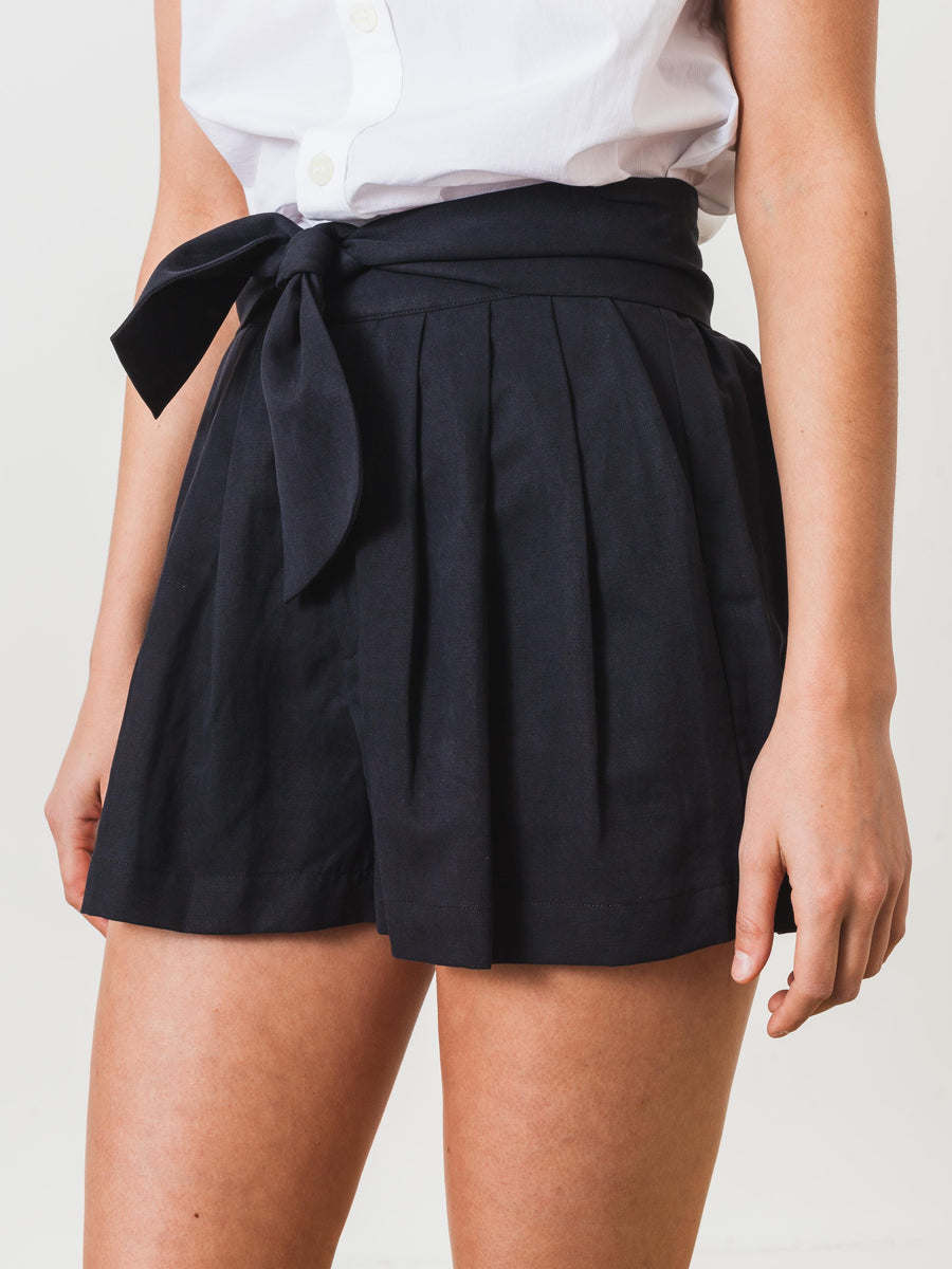ulla-johnson-black-martim-shorts-on-body