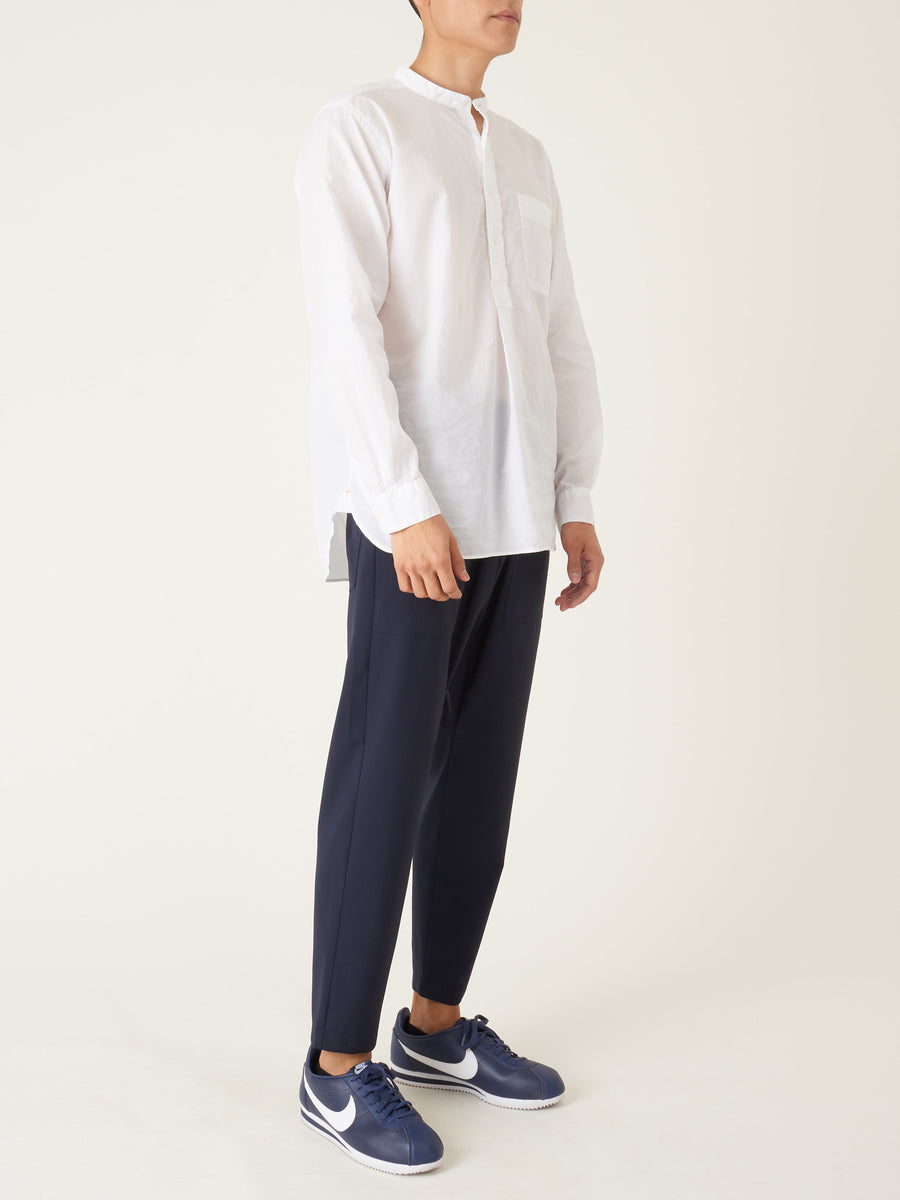 beams-plus-White-Band-Collar-Pullover-Shirt-on-body