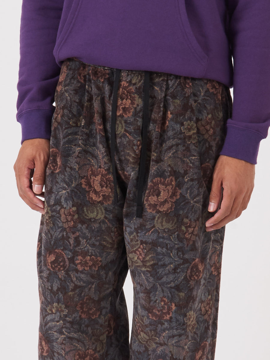 maiden-noir-Dusk-Floral-Elastic-Trouser-on-body