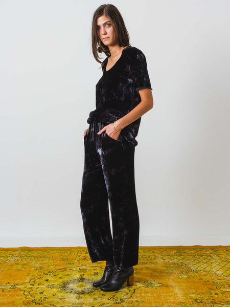 raquel-allegra-velvet-highwaisted-trouser-on-body