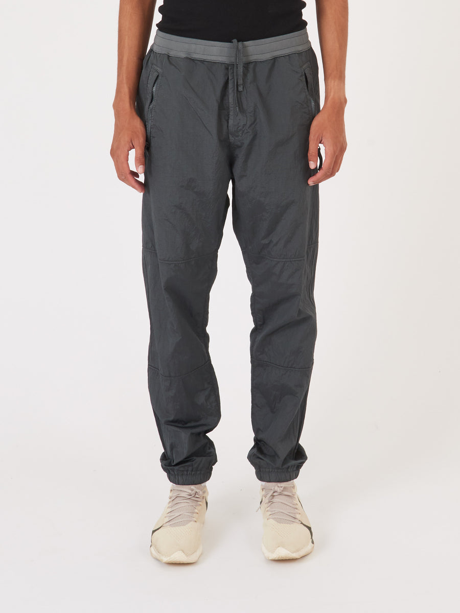 stone-island-Fumo-Nylon-Metal-Track-Pant-on-body